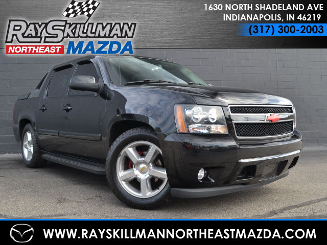 Used Chevrolet Avalanche 1500 LT W/2LT 4X2